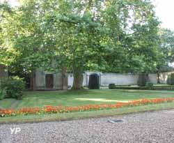 Château et Parc de Villeprévost (H. Fougeron)