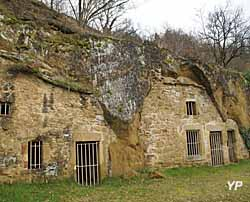 Hameau troglodytique (Châteauneuf Histoire et Patrimoine)