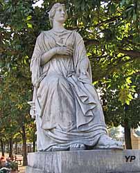 Cimetière ancien - sculpture Victor Sappey, tombe JM Vagnat