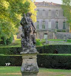 Château de l'Engarran - statue de Diane