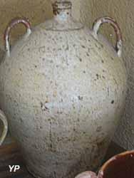 Maison de l'Élevage et du Charolais -  toule à huile