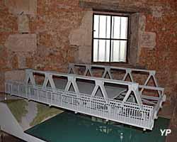 Maquette d'un pont de secours type PIM