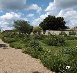 Château d'Azay-le-Ferron - jardin