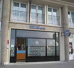 Oscar Hôtel (Oscar Hôtel)