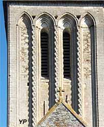 Église Saint-Martin - tour lancette XIIe s. (Bernard Leconte)