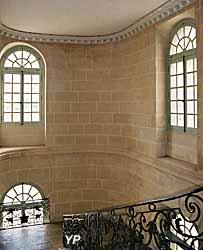 Château de Talmay - grand escalier (Château de Talmay)