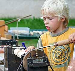 Musée du jouet - animation tour à bois