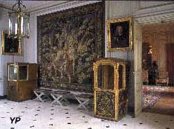 Château de Parentignat - vestibule et enfilade