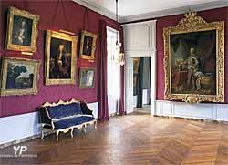 Château de Parentignat - grand salon Rouge