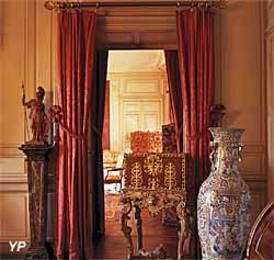 Château de Parentignat - salon blanc