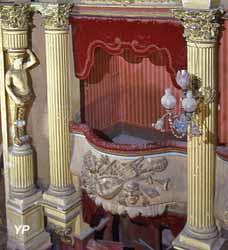 Théâtre (ancienne église des Pénitents Noirs)