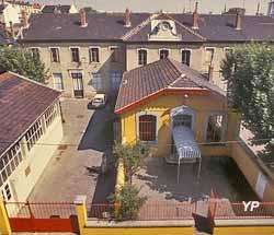 Institut d'Art Contemporain - Ecole de la cité