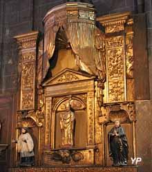 Cathédrale Notre-Dame de l'Assomption - chapelle Saint-Austremoine (retable en bois doré, XVIIIe s.)