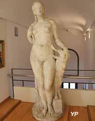 Artémis (Joseph Emile Descomps, dit Cormier - Musée d'art Roger-Quilliot)