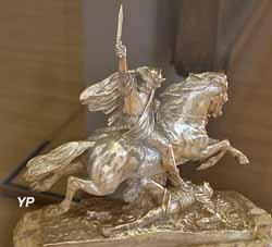 Trophée de la Coupe Automobile d'Auvergne (F. Barbedienne, bronze - Musée d'art Roger-Quilliot)