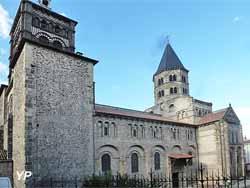 Basilique Notre-Dame-du-Port (Yalta Production)
