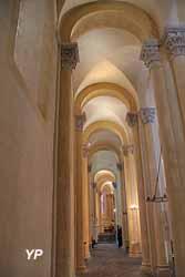 bas-côtés - Basilique Notre-Dame-du-Port