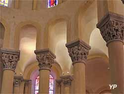 chapiteaux historiés du choeur - Basilique Notre-Dame-du-Port