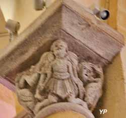 chapiteau historié - Basilique Notre-Dame-du-Port