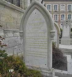 Église Saint-Martin - stèle Auguste Vacquerie