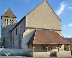 Eglise Saint-Etienne - entrée de l'église par le caquetoire