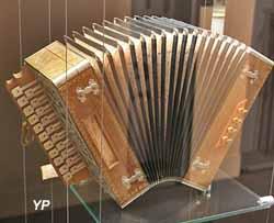 accordéon diatonique François Dedenis (Musée Labenche)