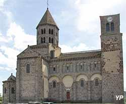 Église Saint-Nectaire (Yalta Production)