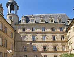 Hôtel de ville - ancien collège des Doctrinaires