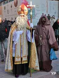 Saint Nicolas et le père Fouettard (pour les fêtes de Noël)