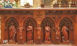 Maître autel en bois sculpté