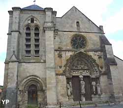 Basilique Notre-Dame-de-Bonne-Garde à Longpont-sur-Orge (Yalta Production)