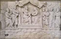 Retable de la Passion et statue de sainte Reine - la Vierge, l'enfant Jésus et sainte Anne