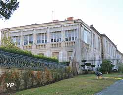 Hôtel de Commandement - Commandement des Écoles de la Gendarmerie Nationale (Yalta Production)