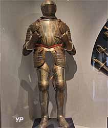 Armure milanaise damasquinée (XVIe s.)