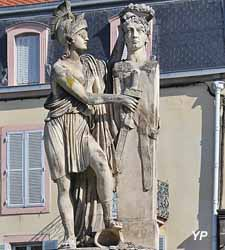 Monument à Desaix, place Jean-Baptiste Laurent (sculpteur Augustin Félix Fortin)
