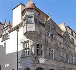 Maison dite des Consuls (XVe s., MH), rue de l'Hôtel de ville (Yalta Production)
