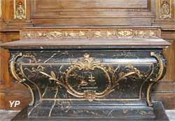 Autel tombeau (chêne et faux marbre peint, XVIIIe s.)