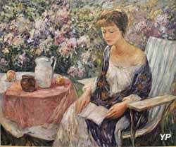 Loïs au jardin de Giverny, la lecture (Wilson Henry Irvine - exposition temporaire 2016)