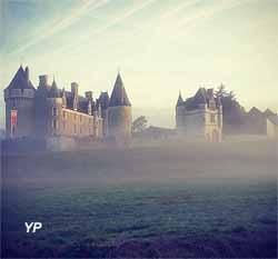 Château de Montpoupon - brume matinale
