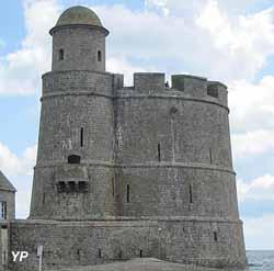 Fort de la hougue saint vaast la hougue - Office du tourisme st vaast la hougue ...