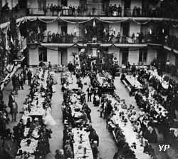 Banquet de la Fête du travail dans la cour du pavillon central le 6 juin 1870