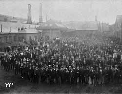 Personnel de l'usine du Familistère en 1899
