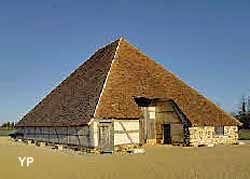 Grange Pyramidale de Vailly (Office de tourisme Coeur du Pays Fort)