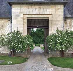 Château de Saint-Rémy-en-l'Eau - entrée du lanternon (B. Gogny-Goubert)