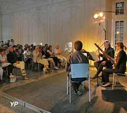 Château des évêques - concert dans le salon de musique