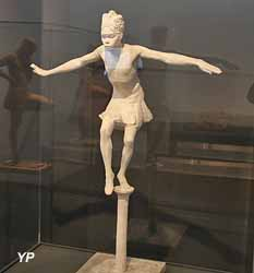 Danse la Papanga (oiseau) (plâtre - Anna Quinquaud)