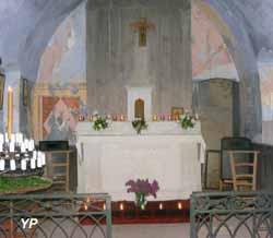 Ruy-Montceau, calvaire et chapelle
