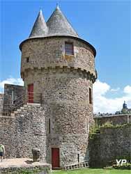 Château de Fougères - tour du Hallay