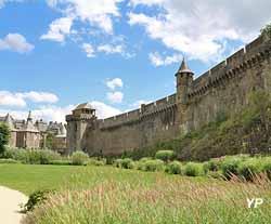 Château de Fougères - remparts Nord, tour de Coigny et tour de Guibé