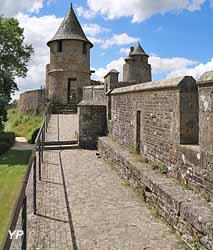 Château de Fougères - remparts Nord et tour de Guibé